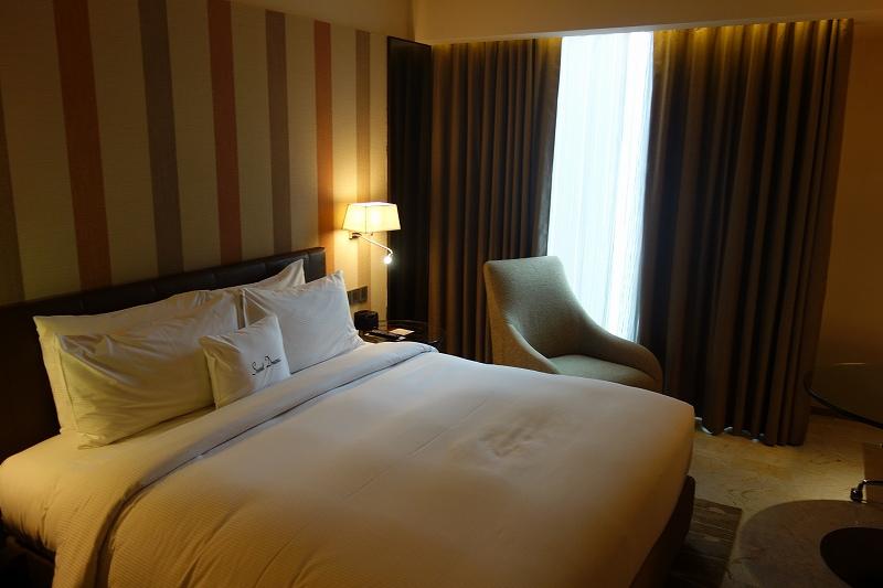 DoubleTree by Hilton Hotel Sukhumvit Bangkok (ダブルツリー by ヒルトン バンコク スクンビット / キングゲストルーム)