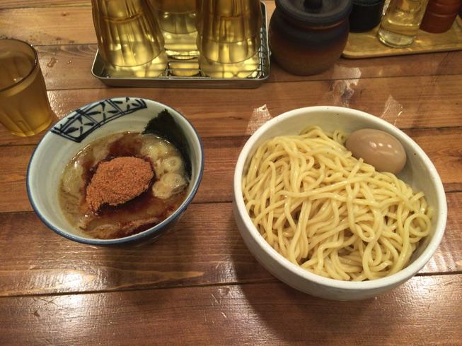 【麺や兼虎】濃厚つけ麺を、大量魚粉と酢で美味しく頂きました!