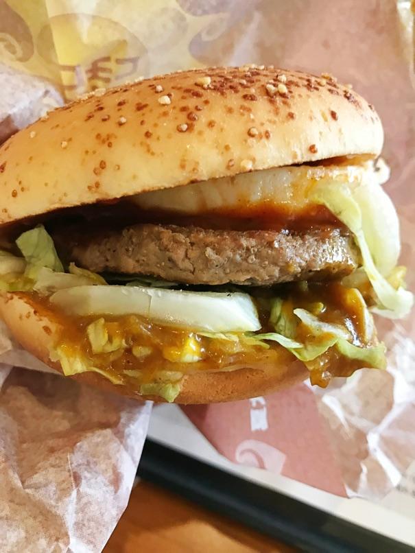 【マクドナルド】夏カレーロコモコ カレーソースとグレービーソースの組み合わせが絶品過ぎる!
