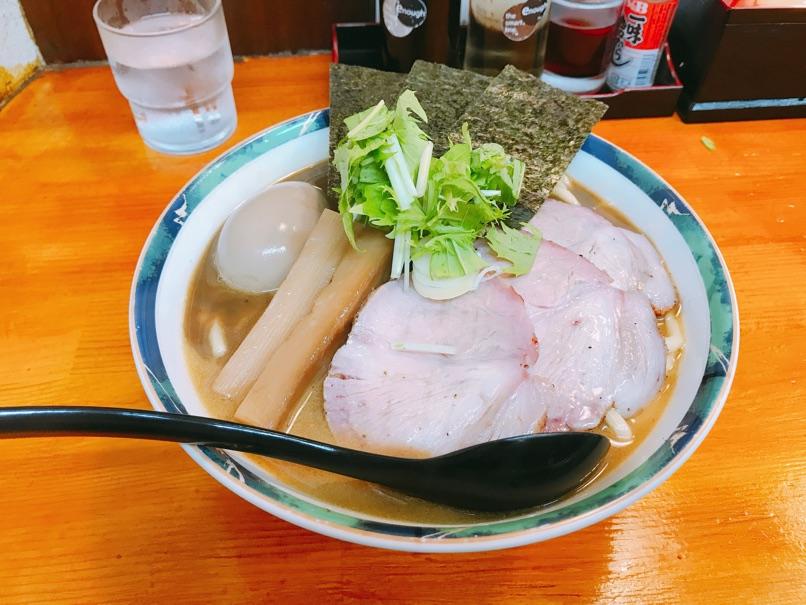 【らぁめん葉月】もっちりコシの極太麺と濃厚魚介スープ 極上ラーメンを頂きました