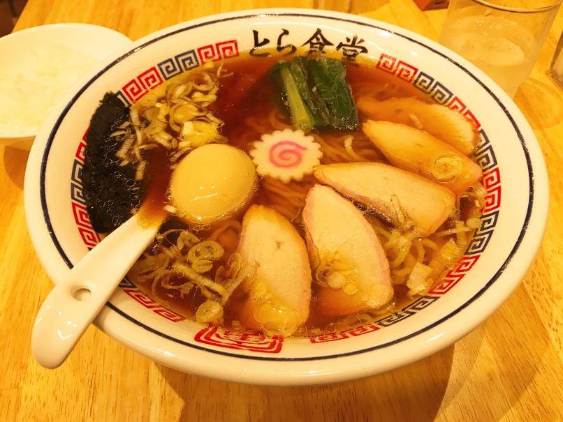 【とら食堂 福岡分店】手打ちツルシコ麺と鶏ガラスープとの組み合わせが素晴らしい醤油ラーメン