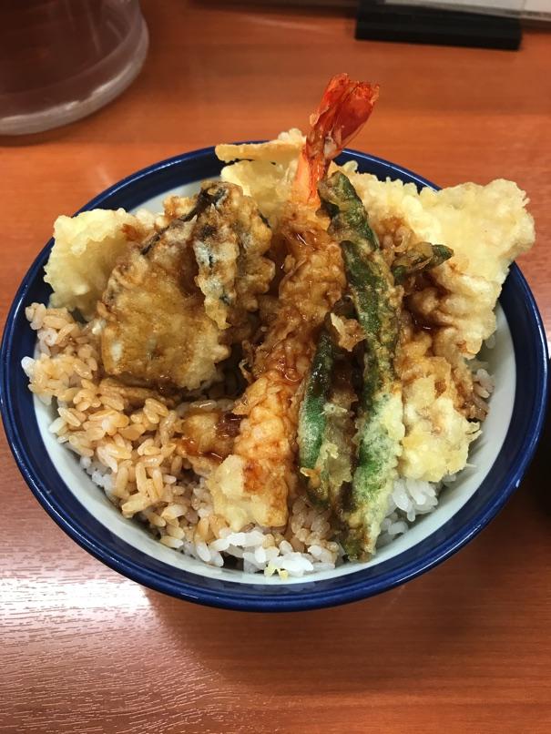 【天丼てんや】「秋の海鮮天丼」 大ぶり牡蠣入り秋味いっぱいのどんぶりです
