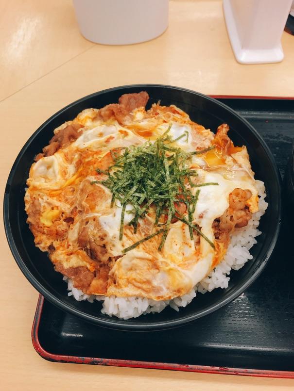 【松屋】キムチ牛とじ丼 とろとろ玉子にボリュームたっぷり満足な一食