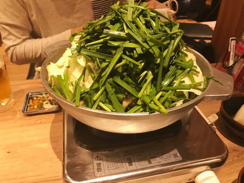 【楽天地 天神西通り店】地元民も納得!野菜チョモのしょうゆモツ鍋がインスタ映え過ぎ!
